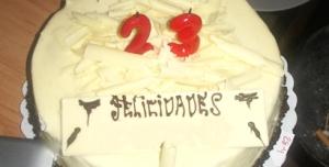 Feliz Cumpleaños Wig y Dragon+18!!! - Página 2 Pastel23